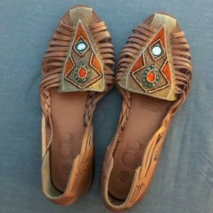 NWOT CHINESE LAUNDRY Leather Beaded Hurraches